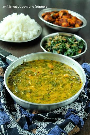 Murungai Keerai Sambar + Murungai Keerai Poriyal / Drumstick leaves sambar + Drumstick leaves poriyal