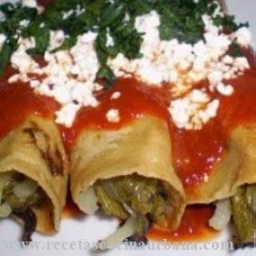 Tacos con relleno de nopales