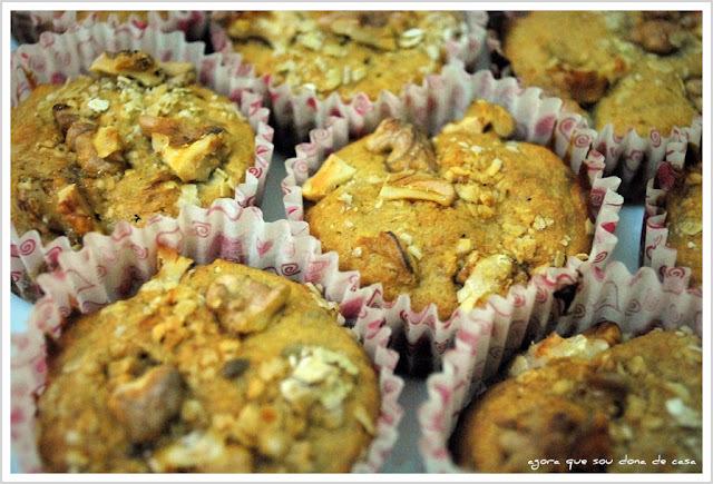 muffins integrais de banana e nozes