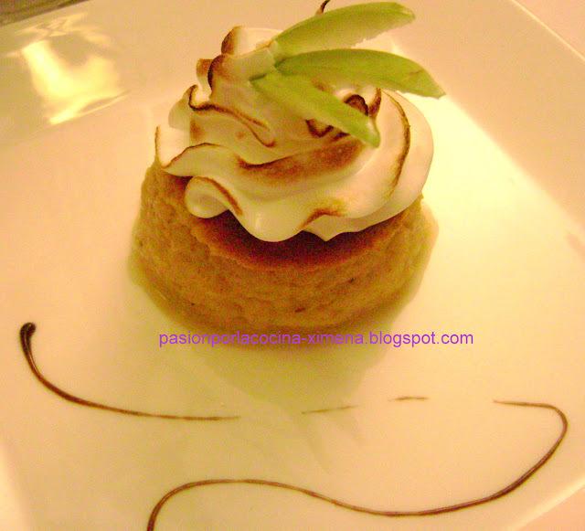 postre de manzana rallada con leche condensada y merengue
