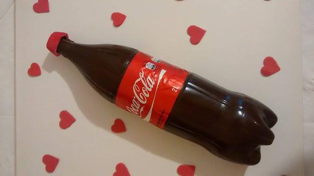 Bolo Bombom na Garrafa de Coca-Cola