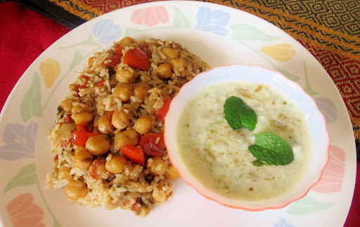 Chickpeas Pulao with Cucumber Mint Raita