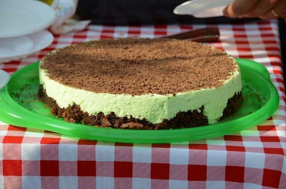 Marquise de chocolate con mousse de menta