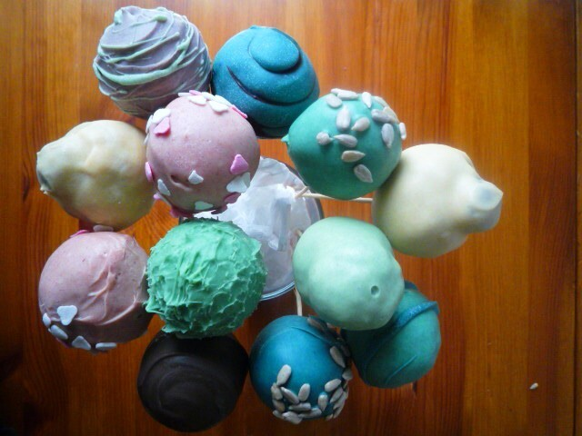 boles de pastís (cake pops)