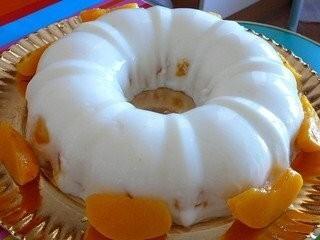 de mousse de pessego com gelatina e iogurte