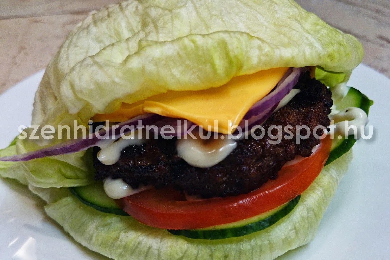Hamburger házilag Atkins-módra szénhidrátmentes húspogácsával