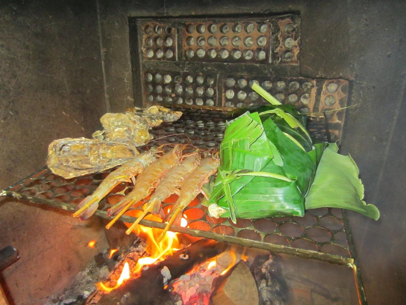 peixe na folha de bananeira na churrasqueira