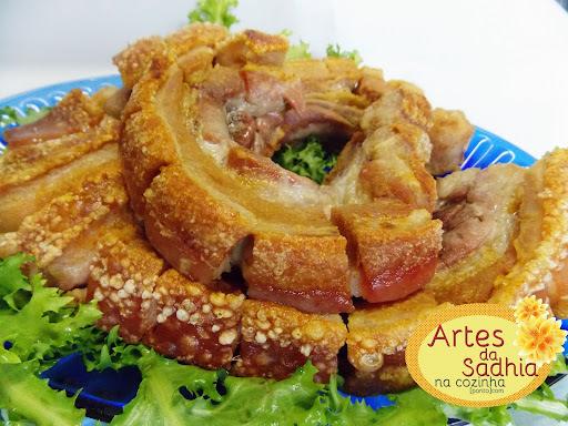 Panceta de porco assada  e salada com molho Fugini ( novidade )