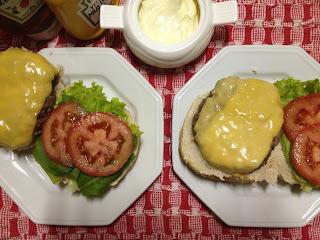 Hambúrguer Caseiro e Maionese Caseira