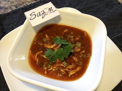 Sopa de nopal con pollo al guajillo