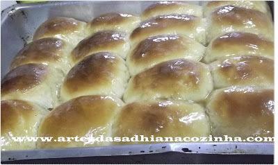 Pão de leite de coco da minha amiga Joana pães do facebook.