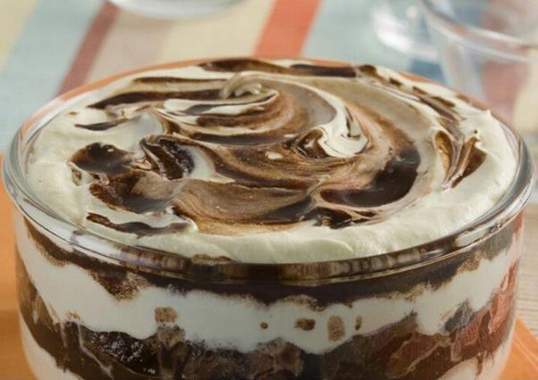 Pavê de leite condensado e chocolate em pó: Simples e saboroso#Terça-Feira