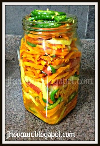 Recipe : Gujarati Style Fresh Turmeric Pickle - Kaccha Haldi / Amba Haldi Achaar (Vegan)