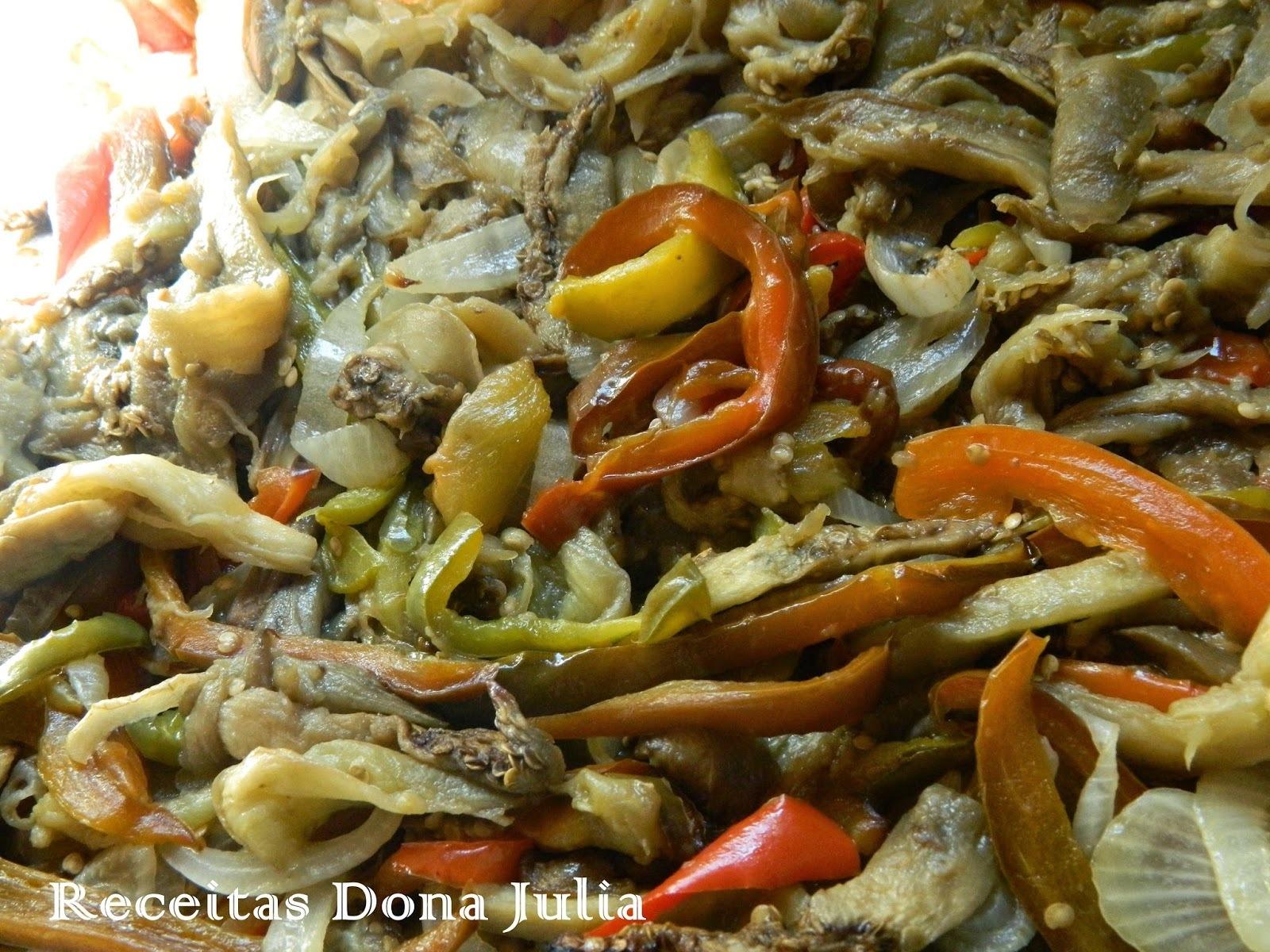 salada de berinjela cebola simples