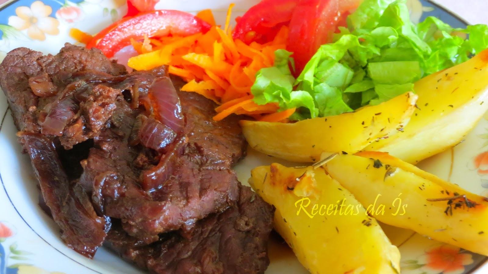 carne cozida e assada no forno