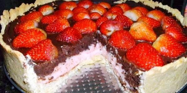 Torta de Morango Trufado