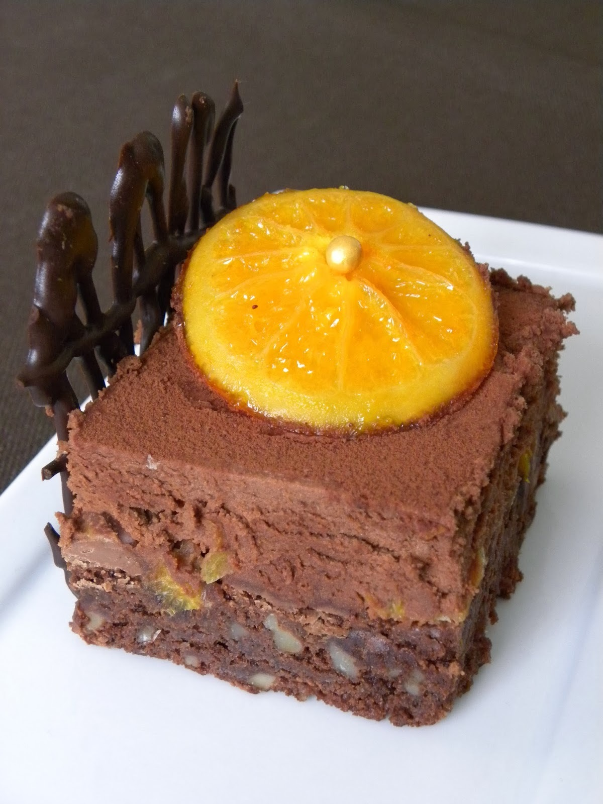 Entremet chocolat-orange aux noix