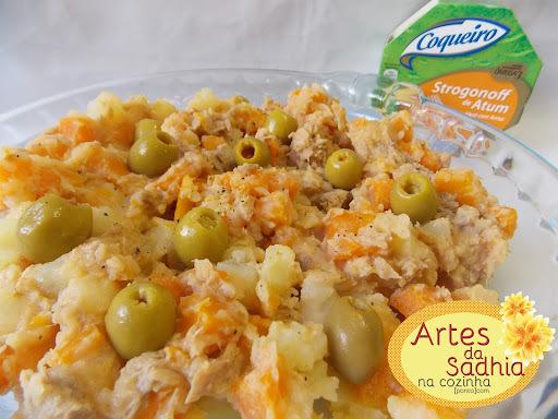 Salada de batata com cenoura e molho de Strogonoff de Atum Coqueiro.