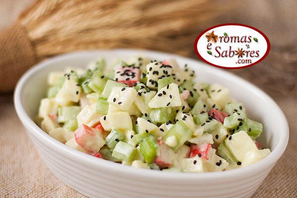 Salada de kani, maçã e aipo