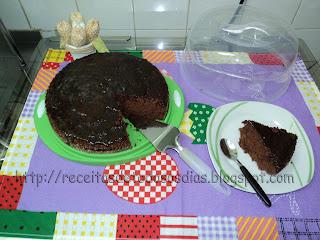 """Bolo de Chocolate com  Cobertura de  Café  """"Receita da Norinha  Ana"""""""