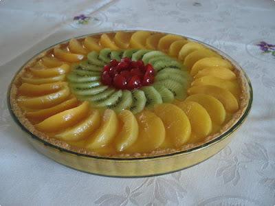 como fazer torta de massa de biscoito de maizena e recheio de frutas vermelha