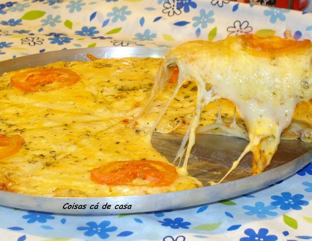 Pizza com quatro queijos