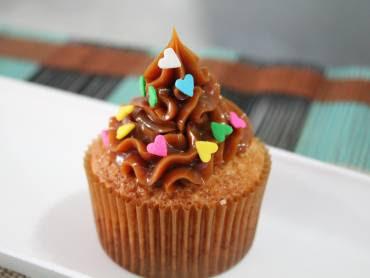 como rechear cupcake antes de assar