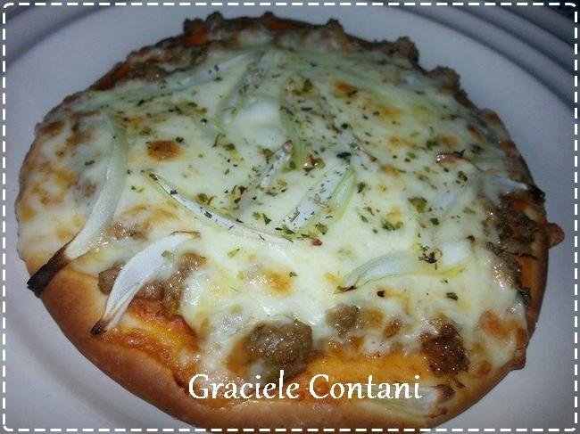 Pizza brotinho de atum e mussarela, feita na fritadeira sem óleo, de Graciele Contani