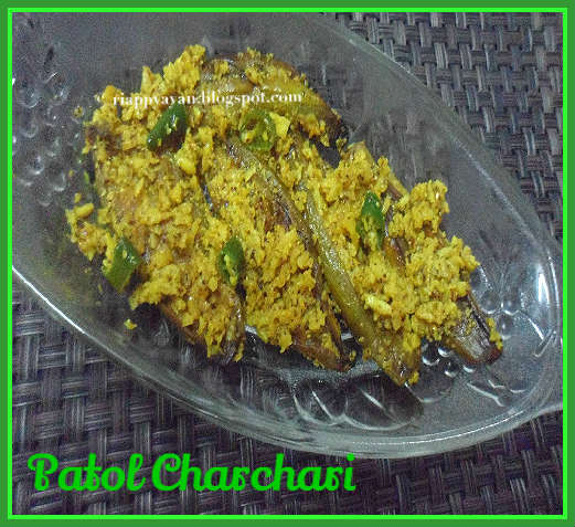 Patoler Narkel Charchari ~ Stri fried parwal/pointed Gourd with coconut and mustard paste