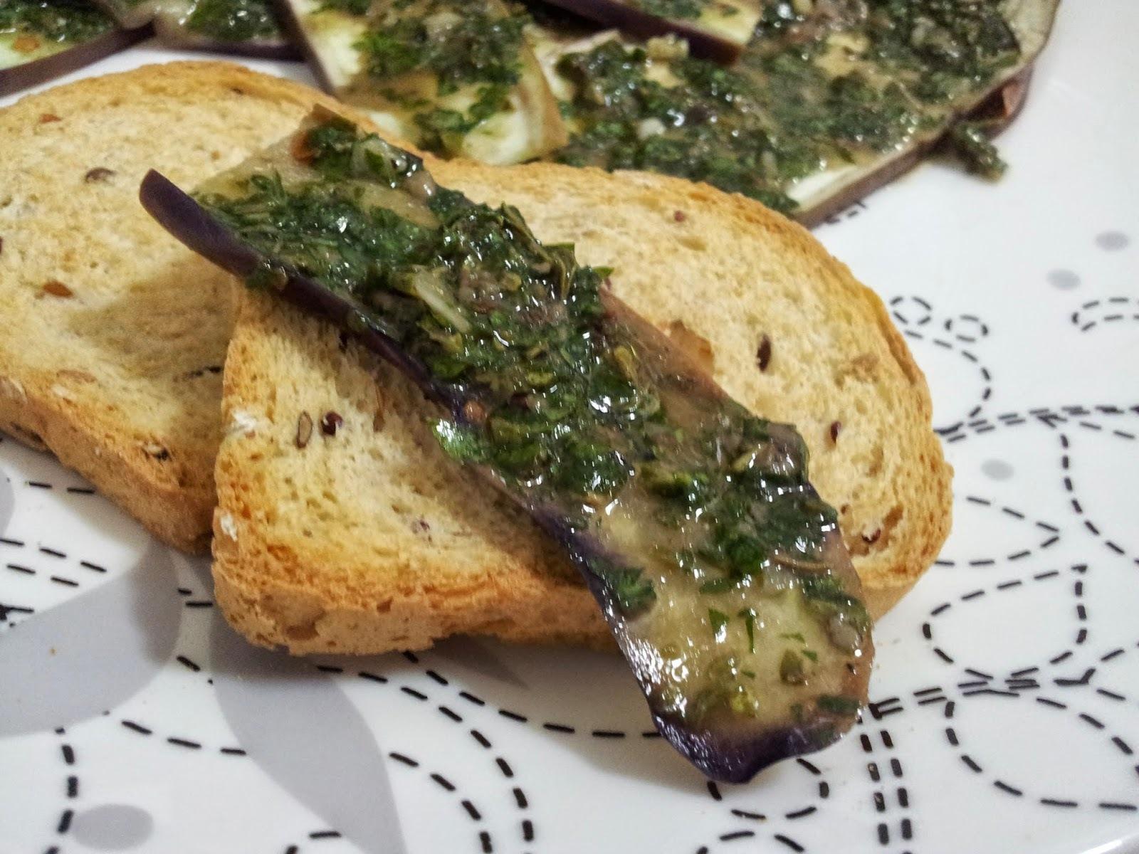 Berinjela Marinada com Pasta de Anchova