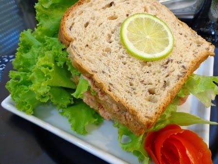 sanduiche natural de sardinha em lata