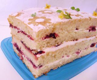 bolo de amora com amora natural