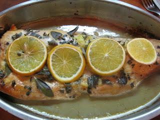 Salmón  Rosado en jugo de Naranjas y Brócoli al Vapor