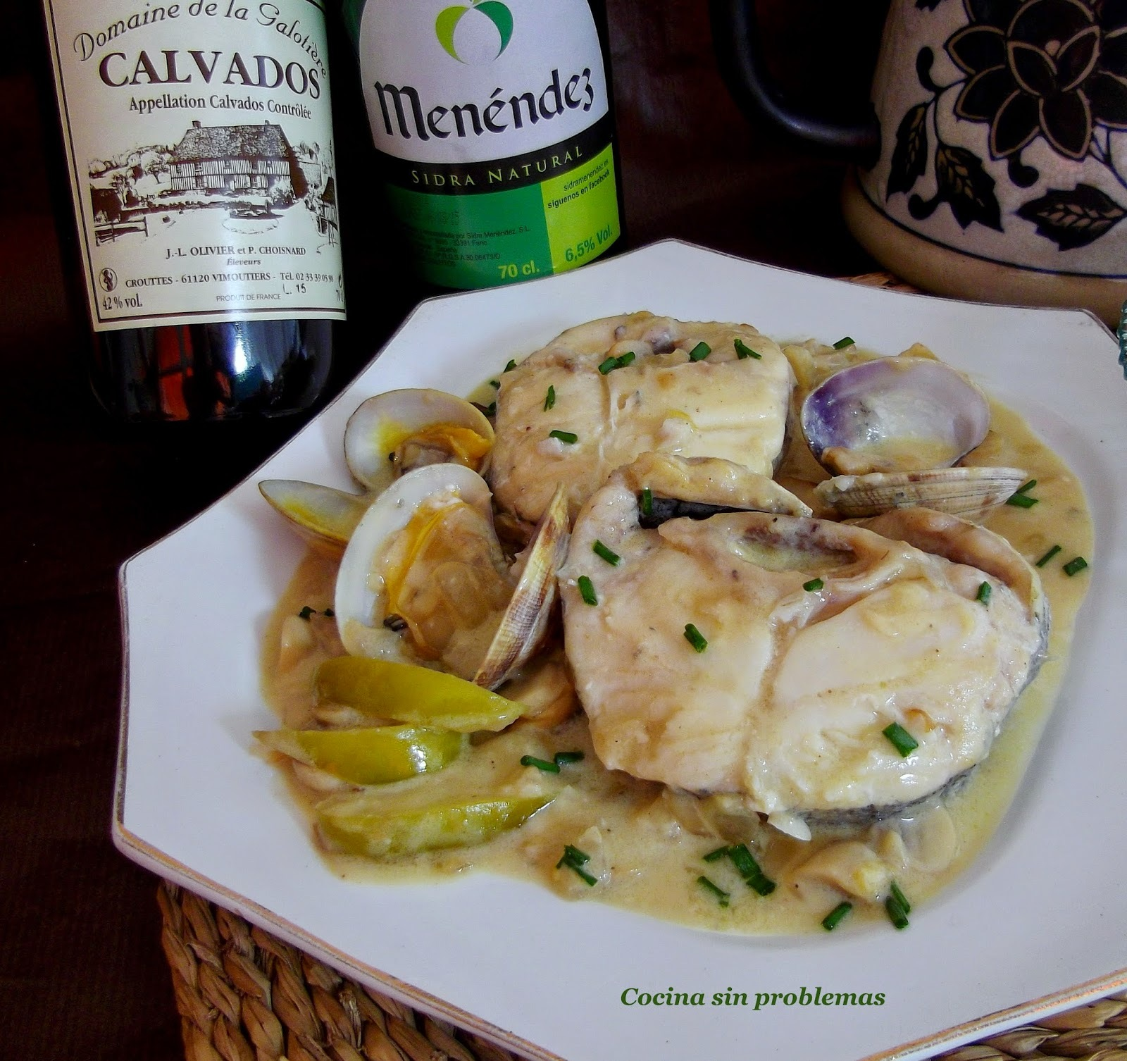 Merluza en salsa blanca de sidra y calvados.