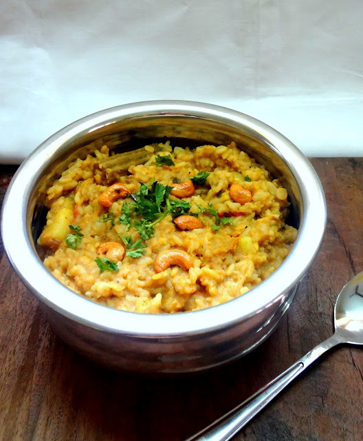 Bisi Bele Baath    ( Hot Lentil Sour Rice)