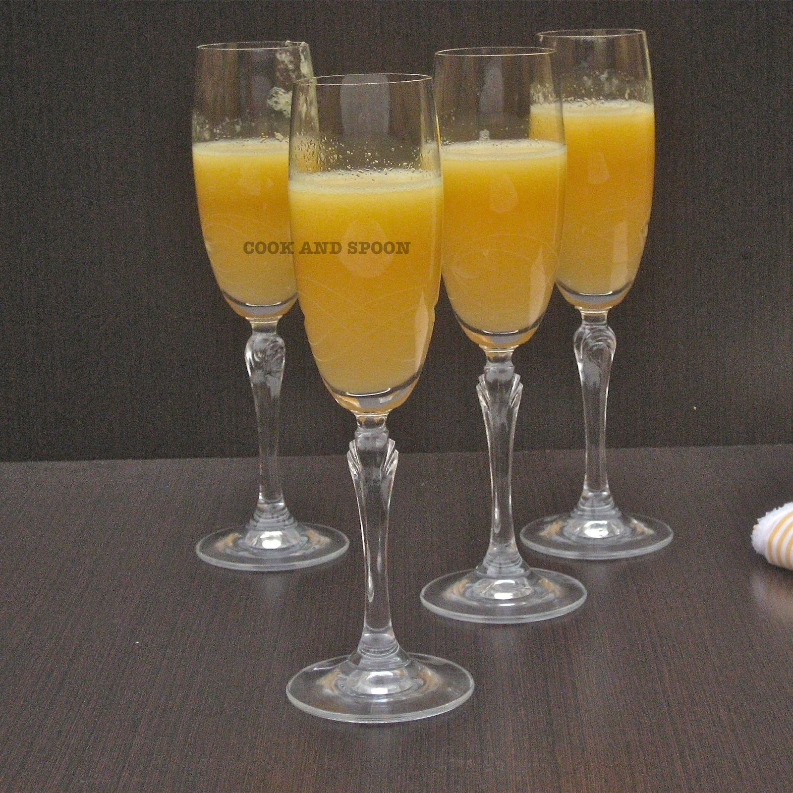 COCKTAIL DE MANGO Y CHAMPÁN