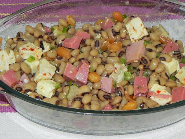 Salada de Feijão Fradinho e Frios
