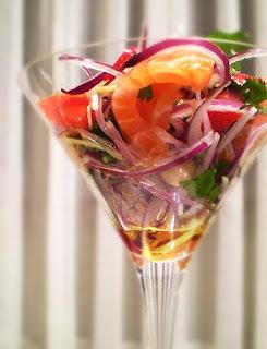 salada de moyashi com alface tomate cereja