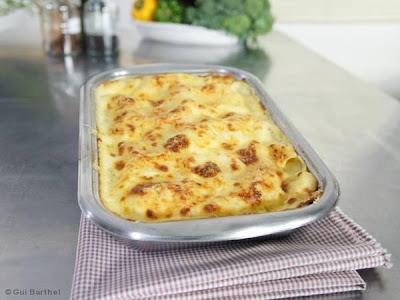 de lasanha de frango com molho branco queijo e presunto