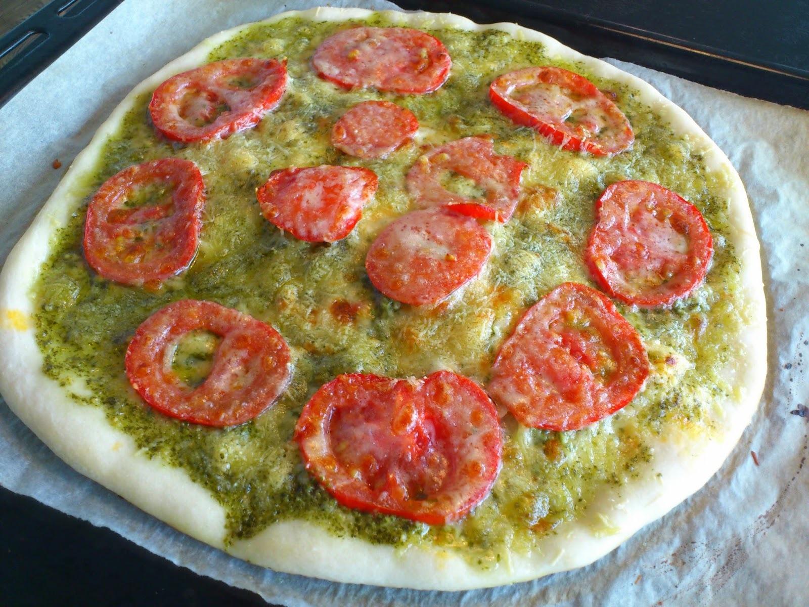 pizza med pesto