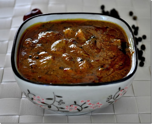 Spicy Hot Milagu Poondu Kuzhambu - Pepper Garlic Combo Kolambu - Tamilnadu Kaarakuzhambu Recipes for Lunch - Grandmother's Recipes