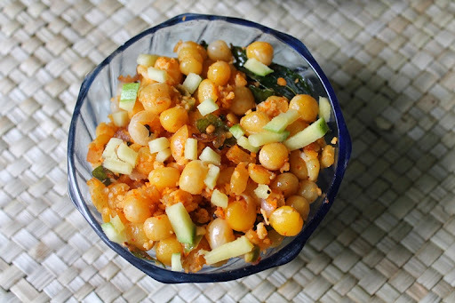 Thenga Manga Pattani Sundal / Pattani Sundal / White Peas Sundal / Beach Sundal - Navaratri Recipes