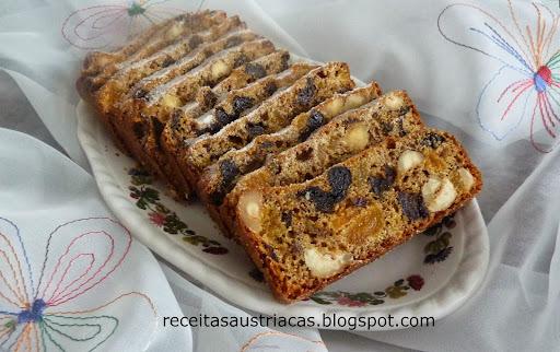 bolo integral de frutas secas e especiarias