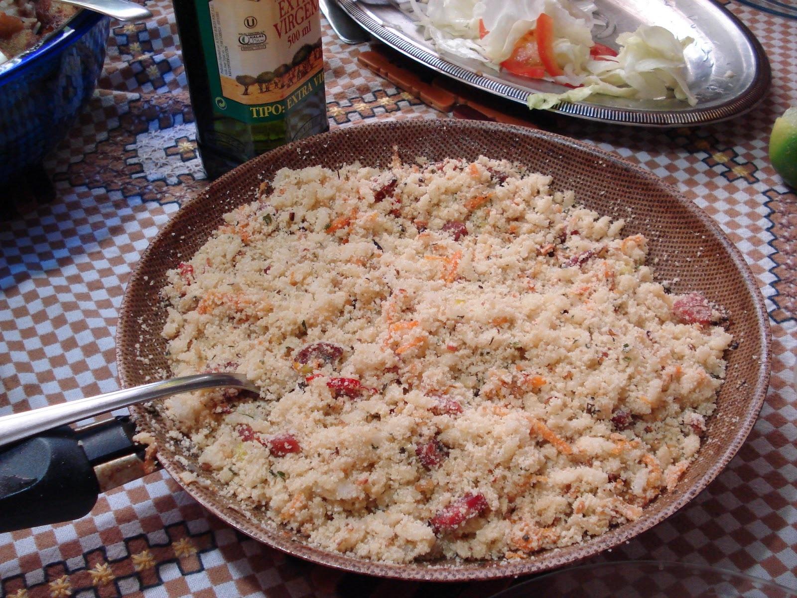 farofa de arroz para acompanhar churrasco