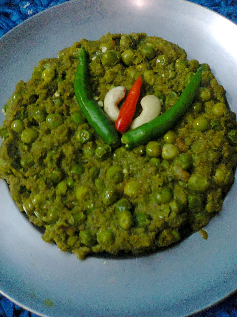Green Curry With Peas /Healthy Peas Gravy/Karaishuntir Curry