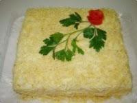 simples de bolo salgado com pão de forma e pure de batata
