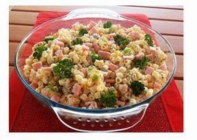de salada de macarrão argolinha com maionese