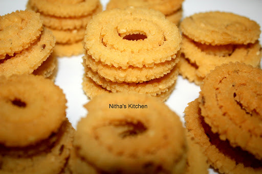 Pottukadalai Murukku | Instant Rice Flour & Dalia Chakli