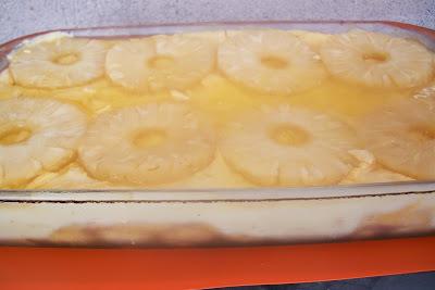 pave de abacaxi em calda com gelatina