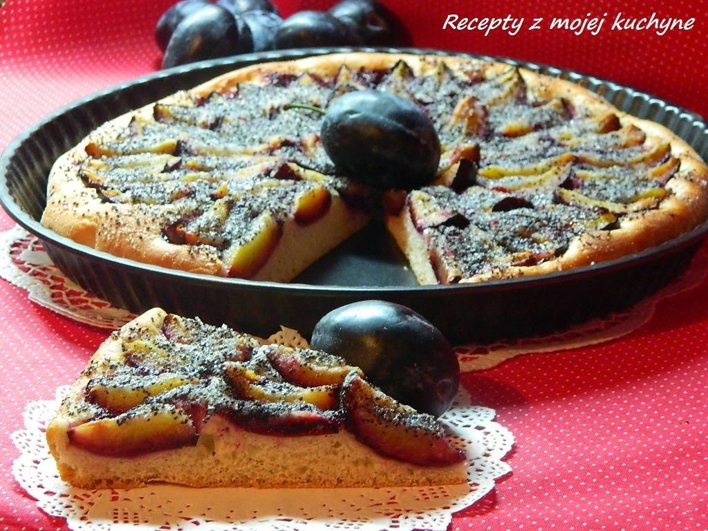 Slivkový koláč s makom